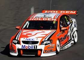 2010-holden-commodore-v8-supercars-04